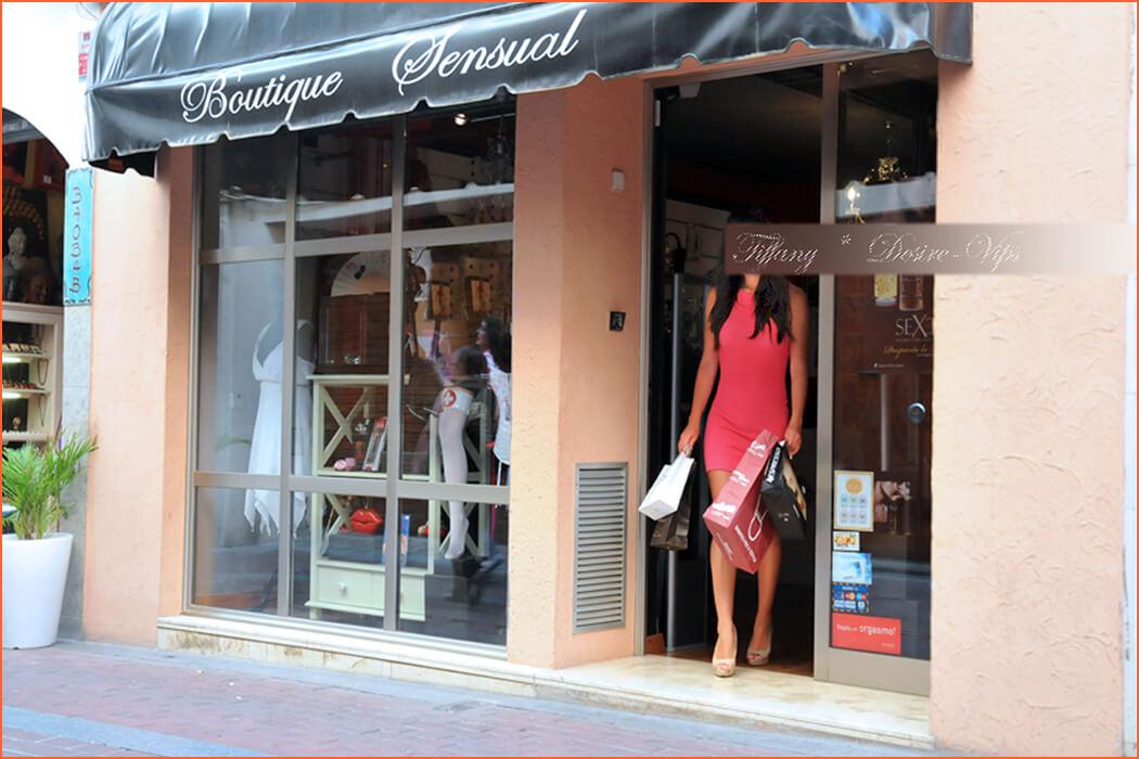 Tiffany ескорт в Барселона отклонения хотел.