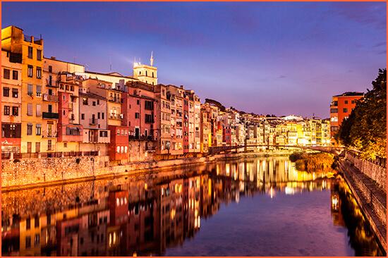 Girona eskorterer høj status.