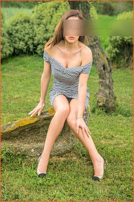 Ingrid luksus escort tyttö Barcelonassa.
