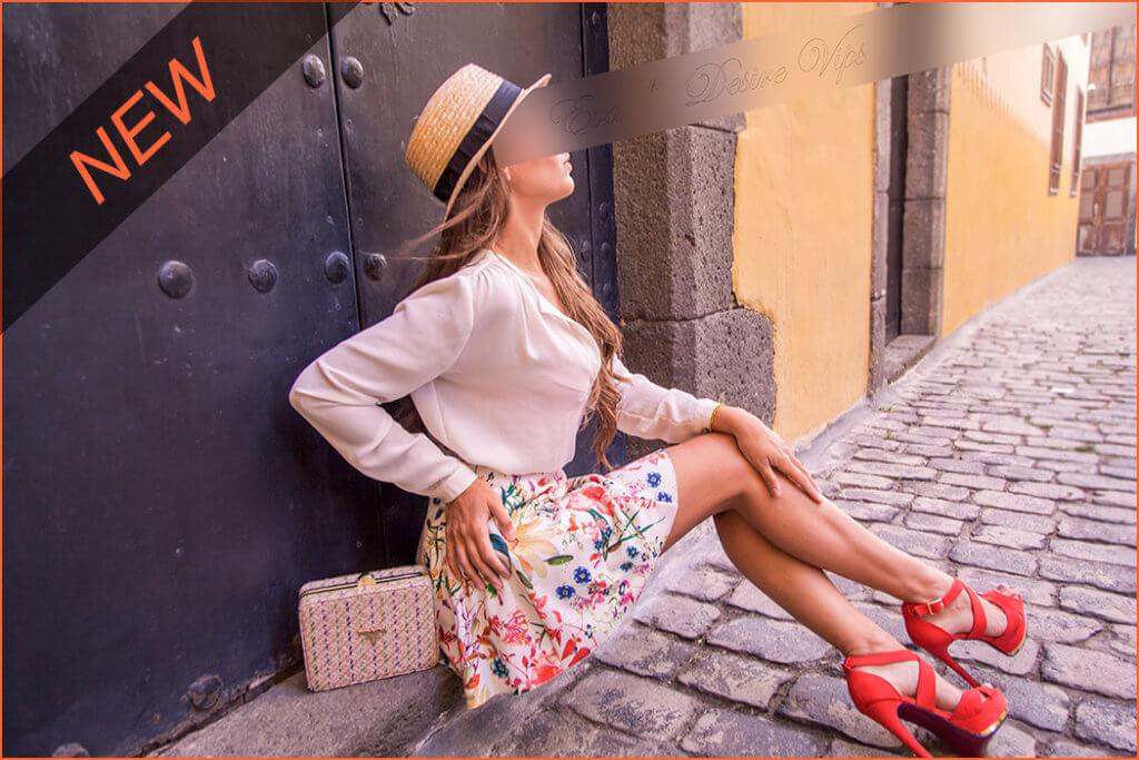 Eva eskolta Espainiako luxuzko La Palma uhartean.