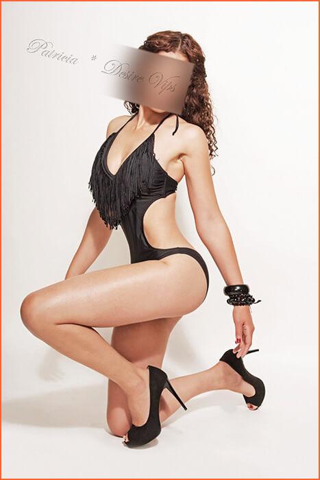 パトリシア・モデルは、薄い護衛しました。
