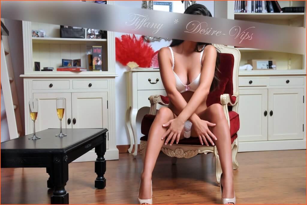 蒂芙尼護送大美女VIP崇高的地位。