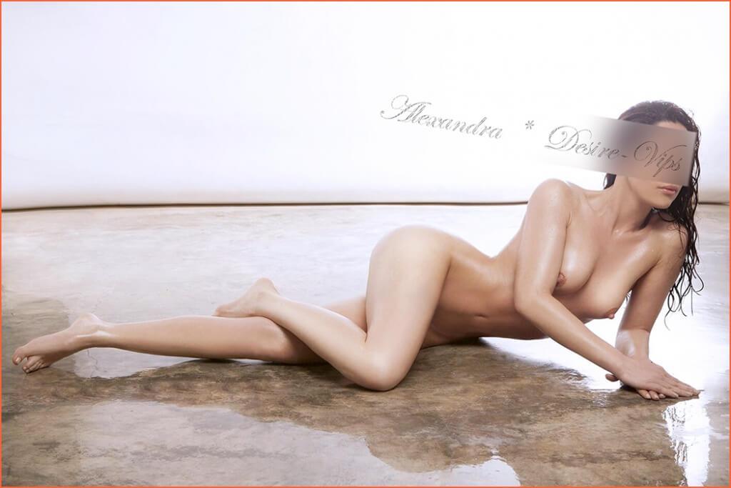 Alexandra Կատալաներենից escorts է Ibiza եւ Բարսելոնայում: