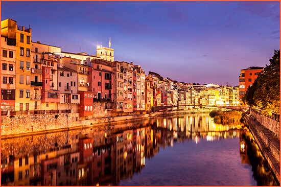 Girona saattajat korkeassa asemassa.
