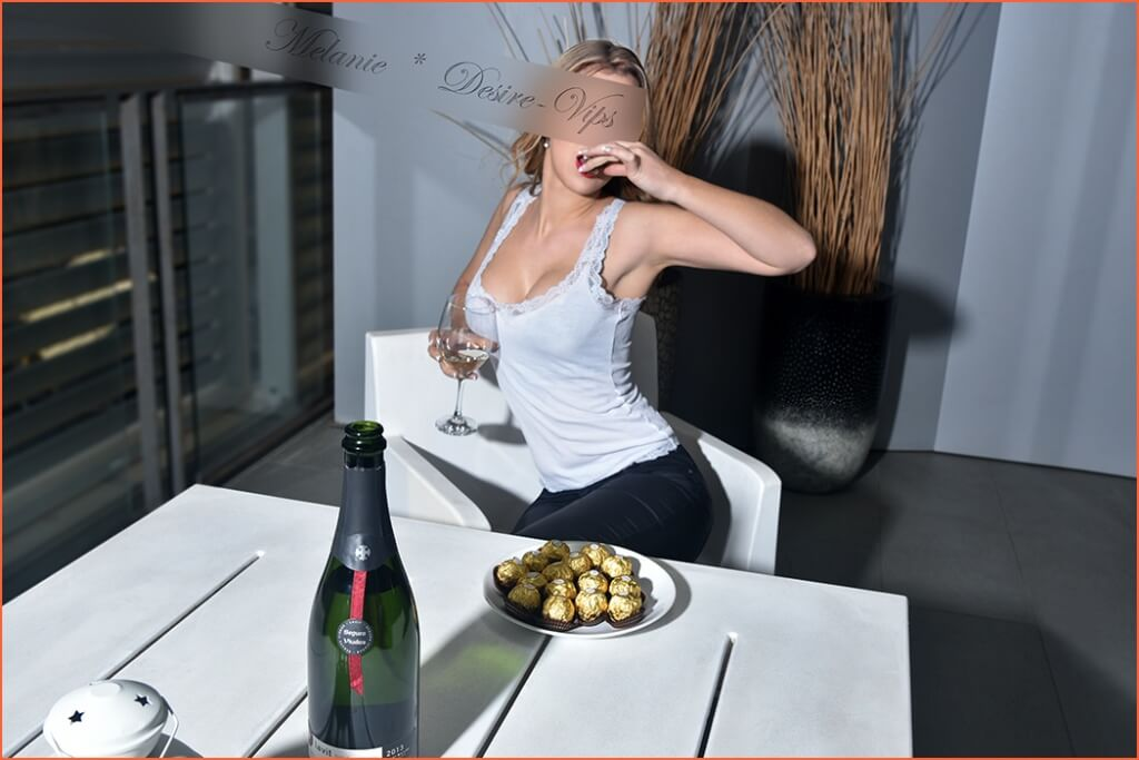 Melanie French luxury escort in Barcelona.