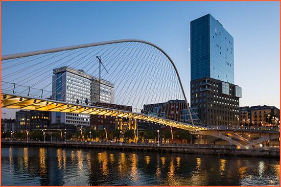 Bilbao Premium Luxury saattajia.