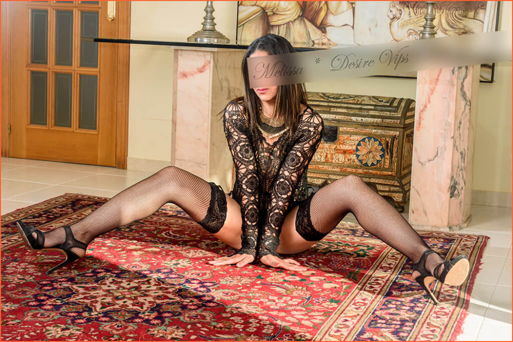 Melissa high-class escort who speaks French.